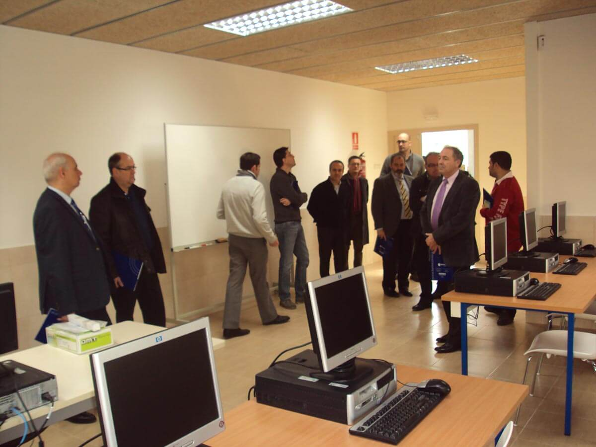 Sala d'Informàtica del Centre Tècnic de Sant Esteve Sesrovires el dia de la Jornada de Portes Obertes
