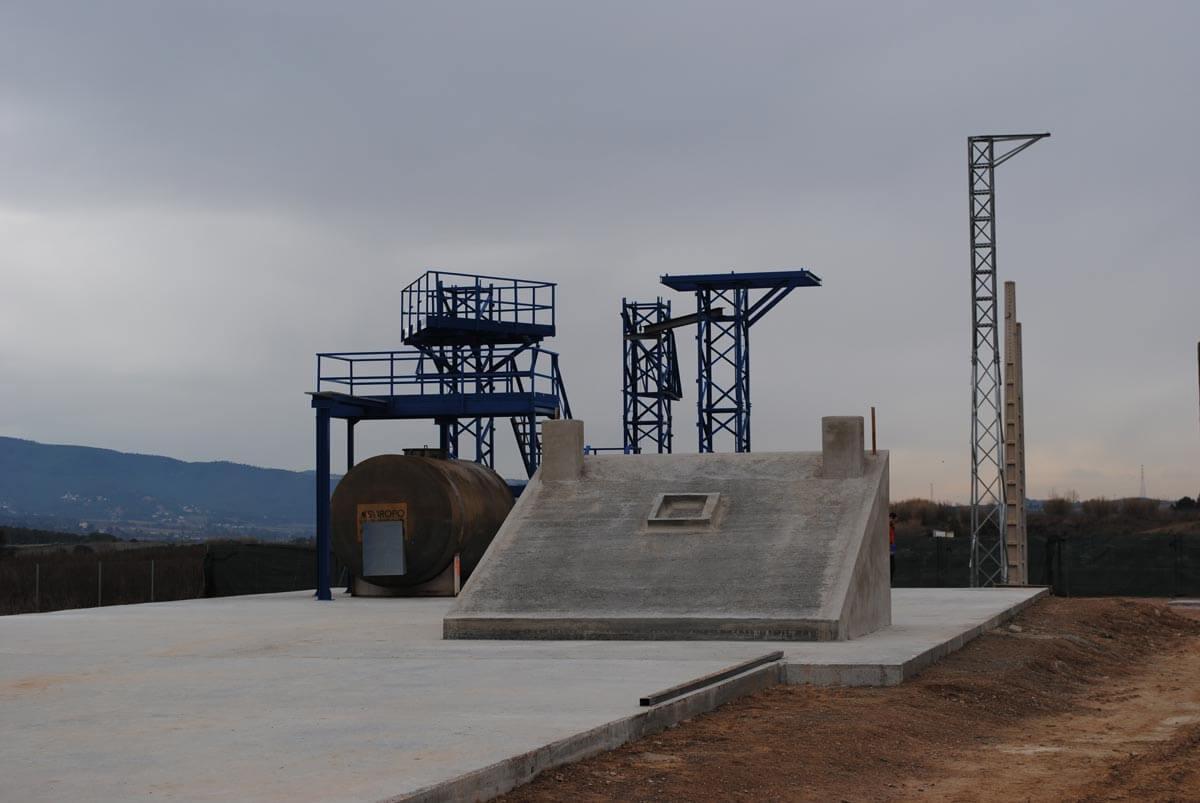 Instalaciones externas del Centro Técnico de la Fundació Privada Jaume Balmes en Sant Esteve Sesrovires
