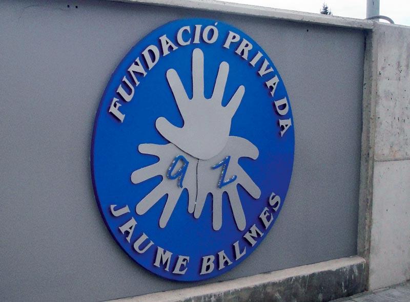 Entrada con el logo de la Fundació Privada Jaume Balmes