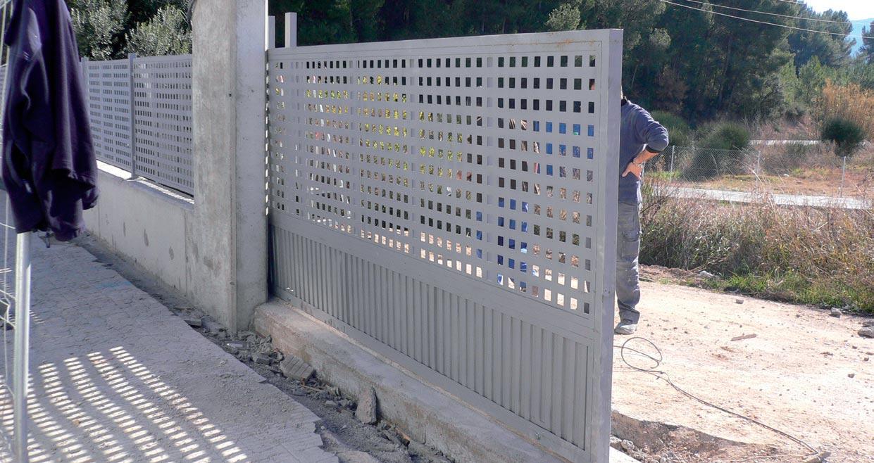 Vista de l'accés principal de vehicles al Centre de Formació