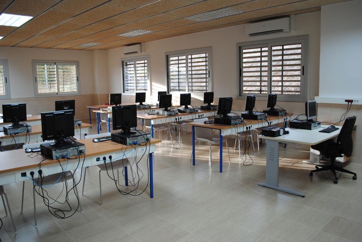 Interior Centro Técnico Fundació Privada Jaume Balmes en Sant Esteve Sesrovires